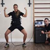 Tonificar-musculos-com-choques-vira-moda-nas-academias
